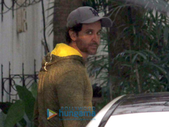 Hrithik Roshan snapped in Juhu