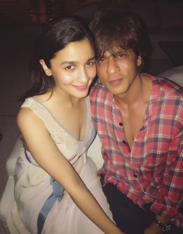INSIDE PHOTOS Deepika Padukone, Katrina Kaif, Alia Bhatt, Karan Johar, Sidharth Malhotra and others at Shah Rukh Khan's grand birthday bash!-18