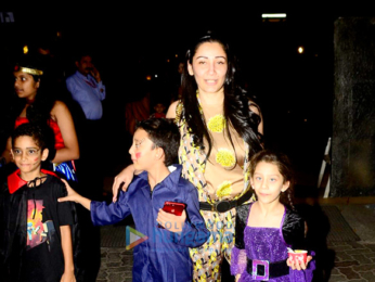 Manyata Dutt snapped with kids