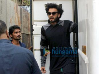 Ranveer Singh snapped at Khar