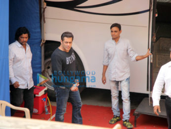 Salman Khan, Varun Dhawan and Ayush Sharma snapped at Mehboob studio in Bandra