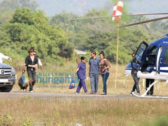 Shah Rukh Khan leaves for Mumbai from Alibaug wih son AbRam Khan
