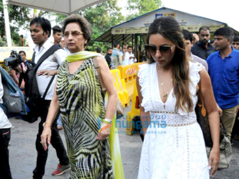 Shah Rukh Khan's birthday party attendees return from Alibaug