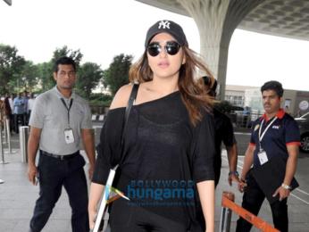 Vidya Balan, Vaani Kapoor and others snapped at the airport