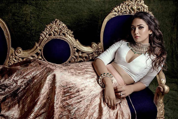 WOW! Mira Rajput oozes elegance and hotness in her new ethnic avatar and we are definitely in awe of her