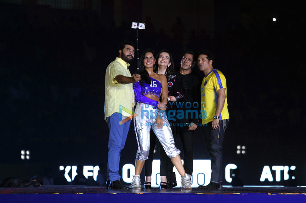 WOW! Salman Khan and Katrina Kaif rock the show at ISL's opening ceremony (2)