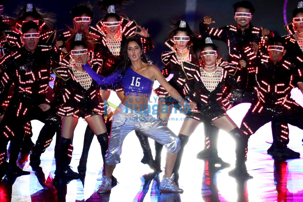 WOW! Salman Khan and Katrina Kaif rock the show at ISL's opening ceremony (5)