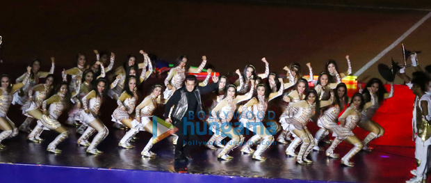 WOW! Salman Khan and Katrina Kaif rock the show at ISL's opening ceremony (7)