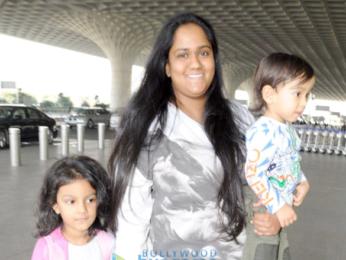 Aamir Khan, Arpita Khan Sharma and others at the airport