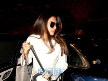 Anushka Sharma and Deepika Padukone snapped at the airport