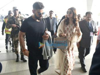 Anushka Sharma and Virat Kohli spotted at Delhi airport