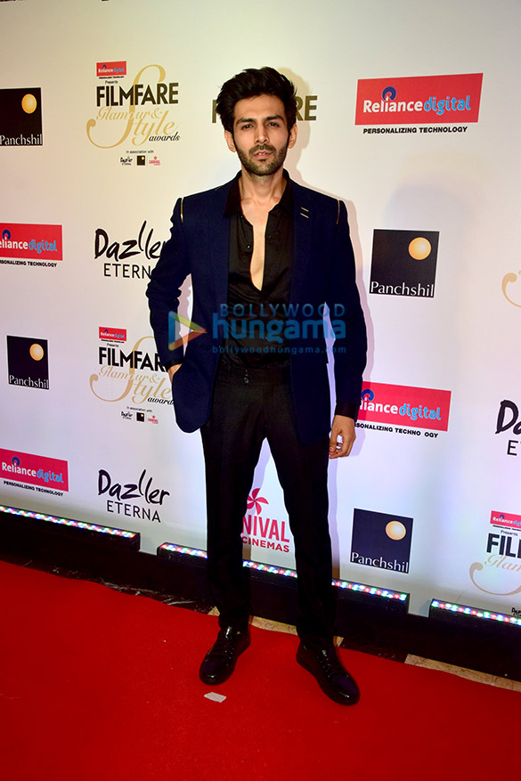Filmfare Glamour and Style Awards 2017 (5)