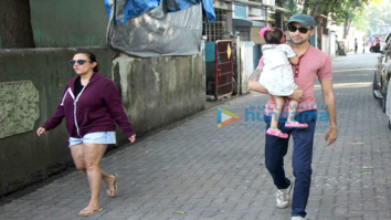 Imran Khan spotted with his daughter Imara and wife Avantika