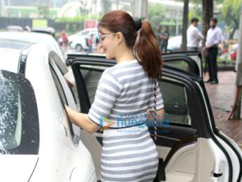 Jacqueline Fernandez spotted in Bandra