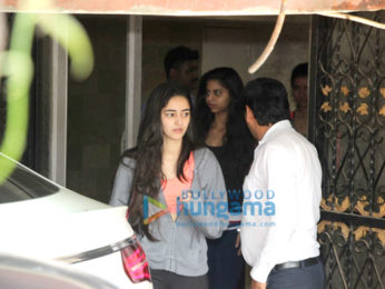 Janhvi Kapoor, Suhana Khan and others snapped at the gym