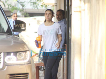 Janhvi Kapoor and Alia Bhatt snapped at the gym