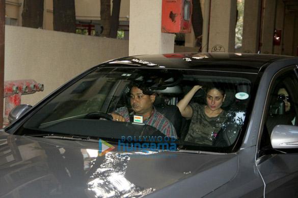 Kareena Kapoor Khan and Karisma Kapoor snapped at Manish Malhotra's relative's residence