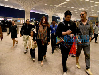 Priyanka Chopra, Akshay Kumar and others snapped at the airport