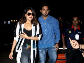 Priyanka Chopra, Jacqueline Fernandez, Kareena Kapoor Khan and others snapped at the airport
