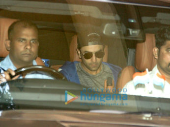Ranbir Kapoor spotted at Khar