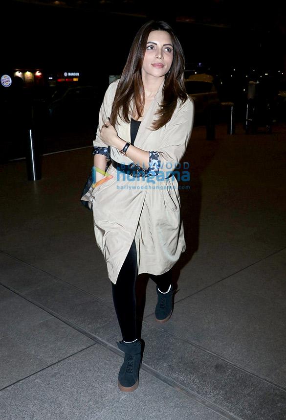Ranbir Kapoor, Varun Dhawan and others snapped at the airport at night