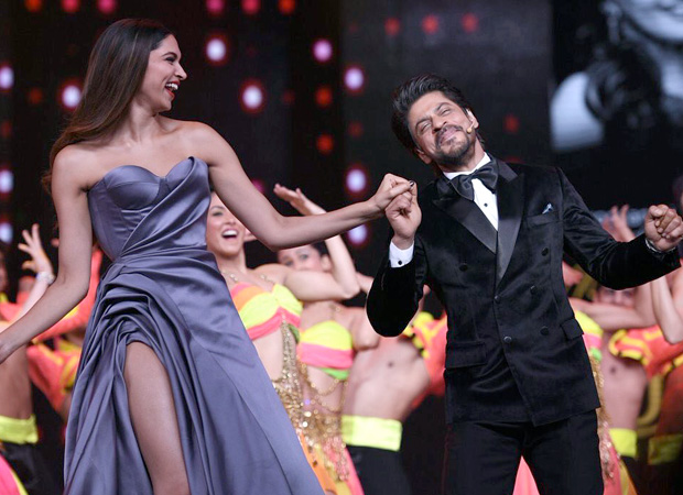Shah Rukh Khan roped in as the host for Lux Golden Rose Awards 2017