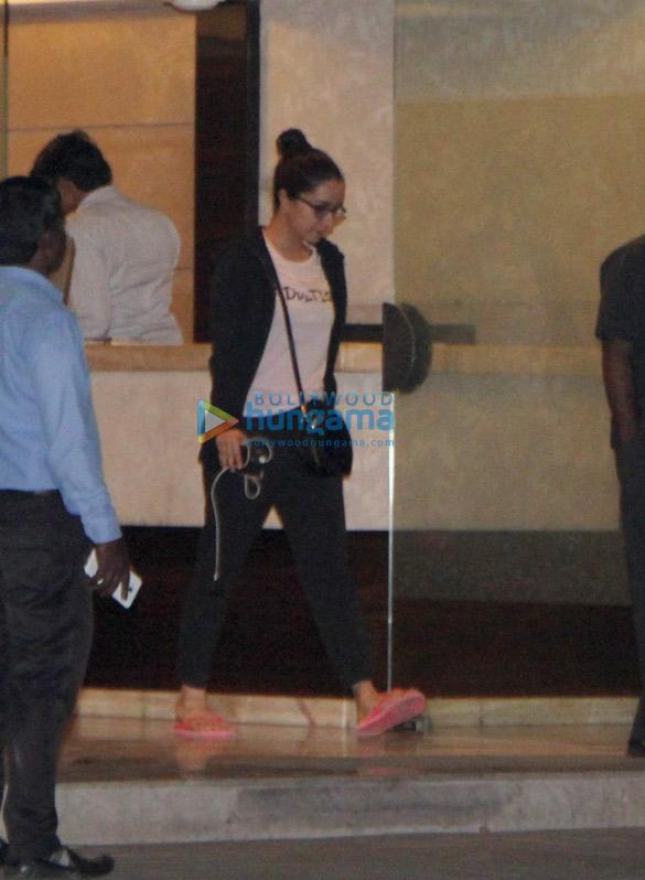 Shraddha Kapoor snapped at Aditya Roy Kapoor's house