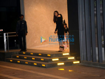 Aishwarya Rai Bachchan, Abhishek Bachchan out with Aradhya for dinner-2