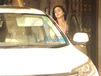 Alia Bhatt, Sara Ali Khan and others snapped at the gym