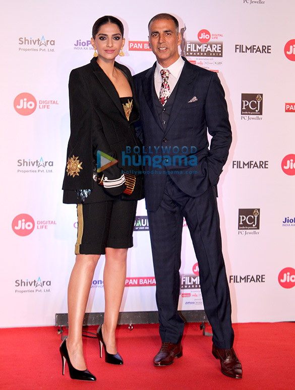Celebs attend the 63rd Jio Filmfare Awards 20181 (21)