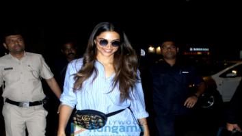Deepika Padukone, Esha Gupta and others snapped at the airport