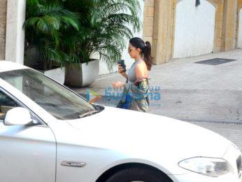 Kiara Advani snapped at Manish Malhotra's showroom
