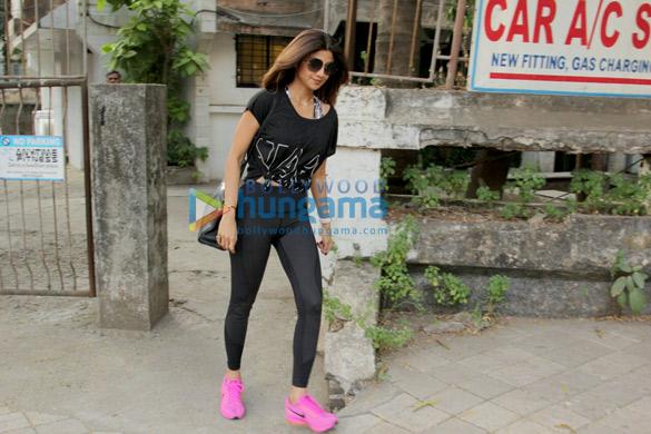 Shilpa Shetty and Divya Dutta snapped at Kromakay (5)