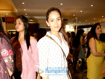 Celebs grace Mana Shetty's Charity Exhibition for Save The Children India
