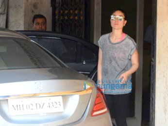 Kareena Kapoor Khan spotted after her gym session in Bandra (5)