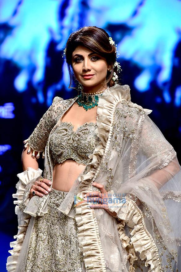 Malaika Arora, Shilpa Shetty, Vaani Kapoor, Kangana Ranaut and others walk the ramp at the Lakme Fashion Week 2018