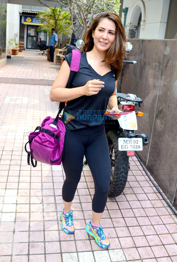 Malaika Arora and Kim Sharma spotted after their gym session in Bandra
