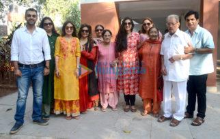 Roshan family snapped at Mahashivratri celebration at Panvel
