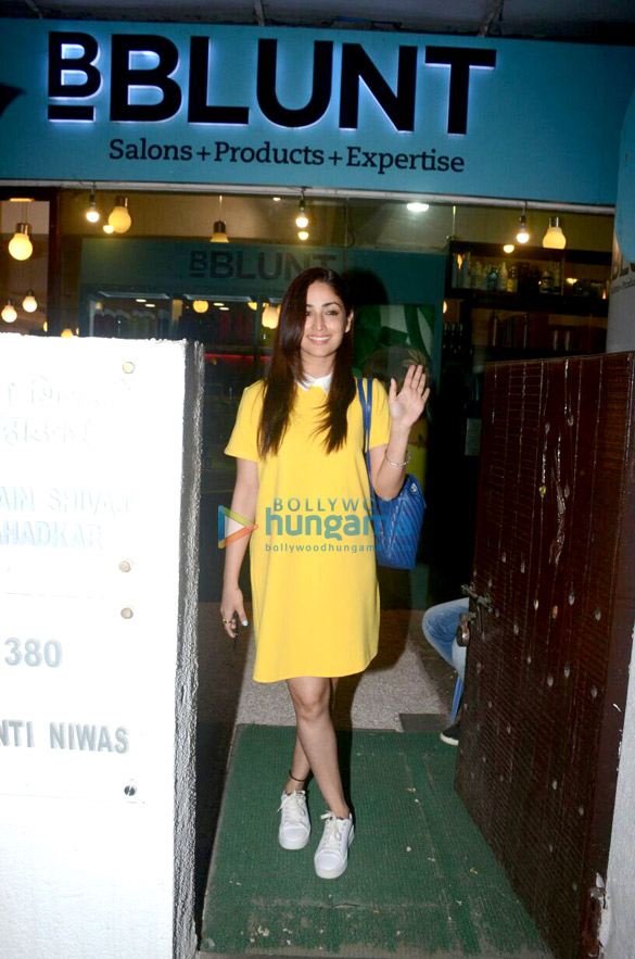 Yami Gautam snapped at BBlunt salon