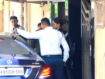 Deepika Padukone spotted at the gym in bandra
