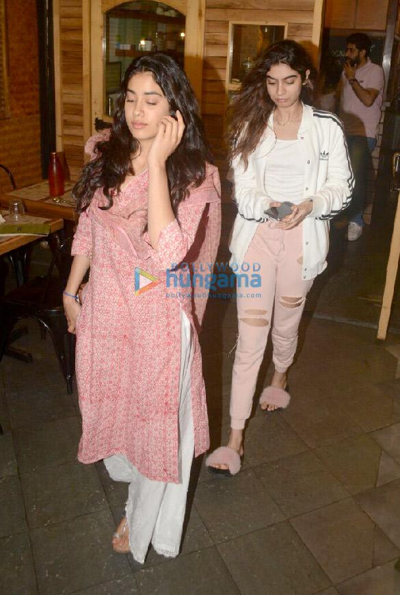Janhvi Kapoor and Khushi Kapoor snapped at Farmer's Cafe in Bandra