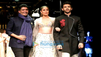 Kareena Kapoor Khan and Kartik Aaryan walk the ramp for Manish Malhotra