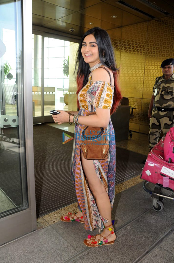 34a657512 Pooja Hegde, Tamannaah Bhatia and others snapped at the airport6 (3 ...