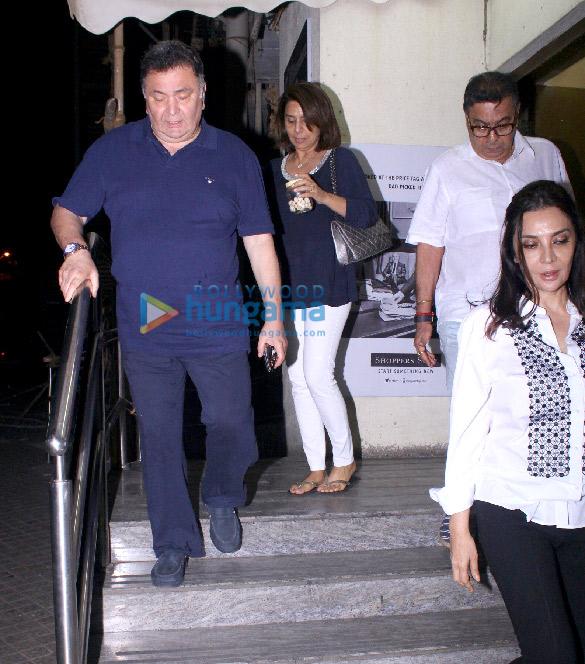 Rishi Kapoor and Neetu Singh snapped at PVR Juhu (1)