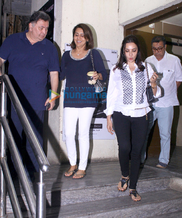 Rishi Kapoor and Neetu Singh snapped at PVR Juhu (5)