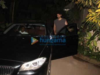 Aditya Roy Kapoor spotted in Bandra