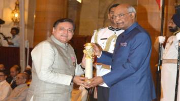 Manoj Joshi conferred with Padma Shri Award by President Ram Nath Kovind at Rashtrapati Bhavan