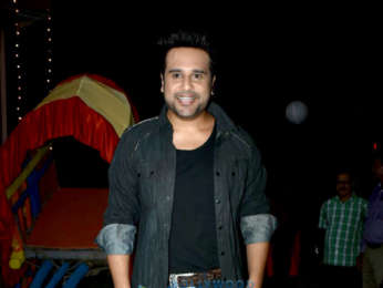 Mugdha Godse and Krishna Abhishek snapped on sets shooting for the film Sharmaji Ki Laggai
