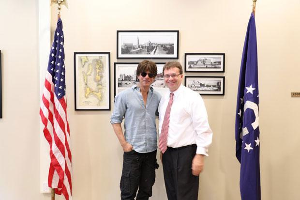 Shah Rukh Khan and Anushka Sharma visit US Consulate in Mumbai; to head to the US for Aanand L Rai's Zero