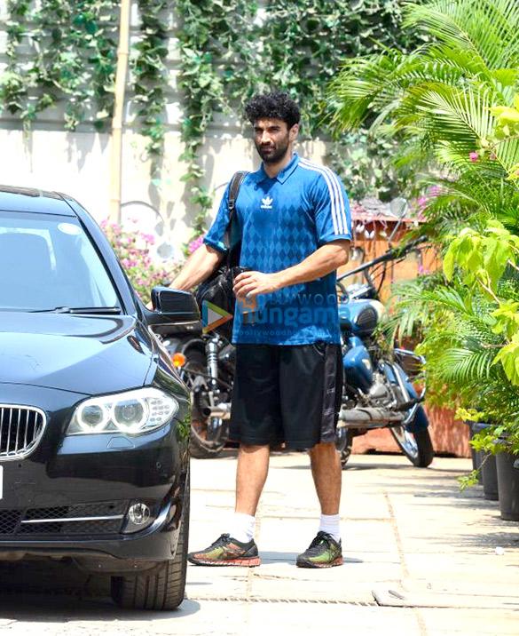 Shahid Kapoor and Aditya Roy Kapur snapped at the gym